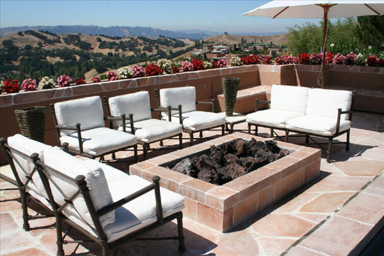 Patio furniture outdoor patio furniture sets find for Patio furniture pictures ideas