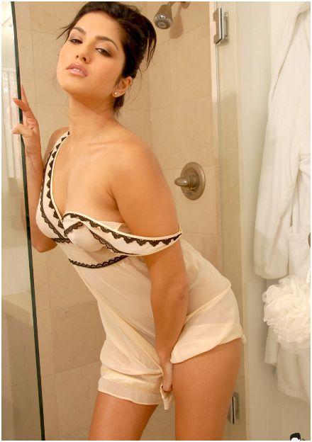 Sunny Leone Hot