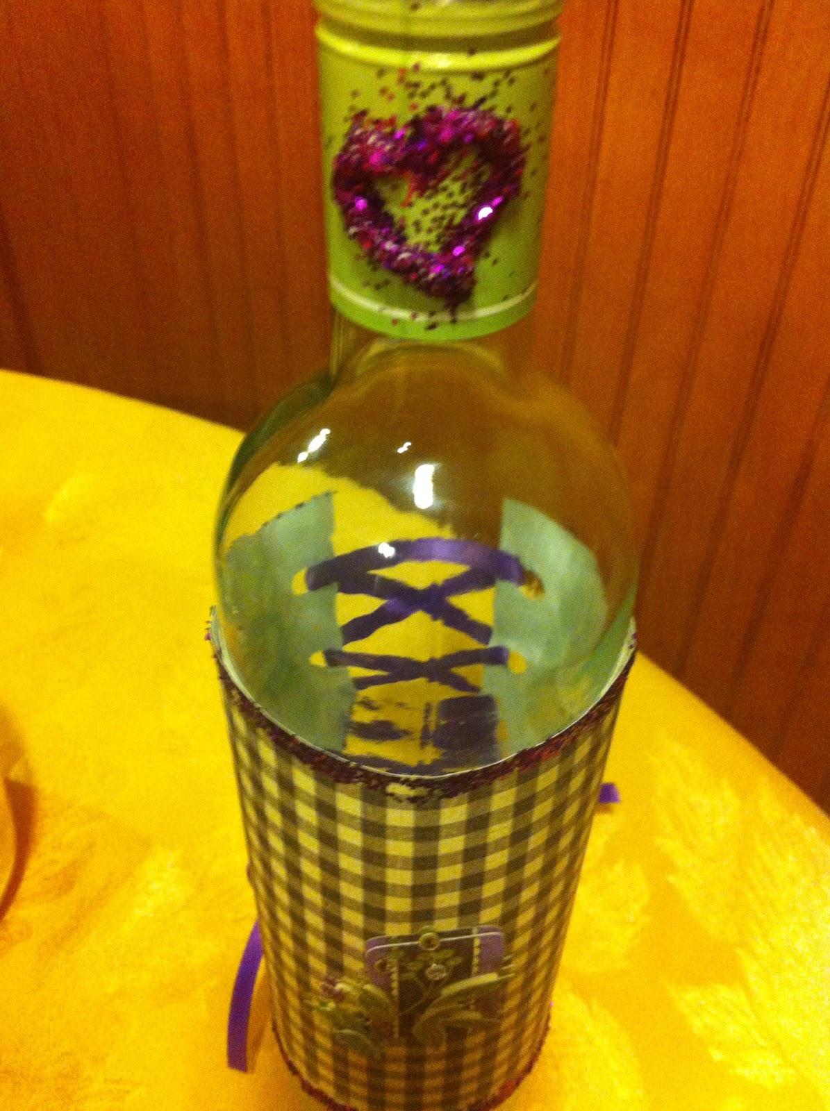 Happy crafty jackie diy corset style wine bottle decoration for Bottle decoration