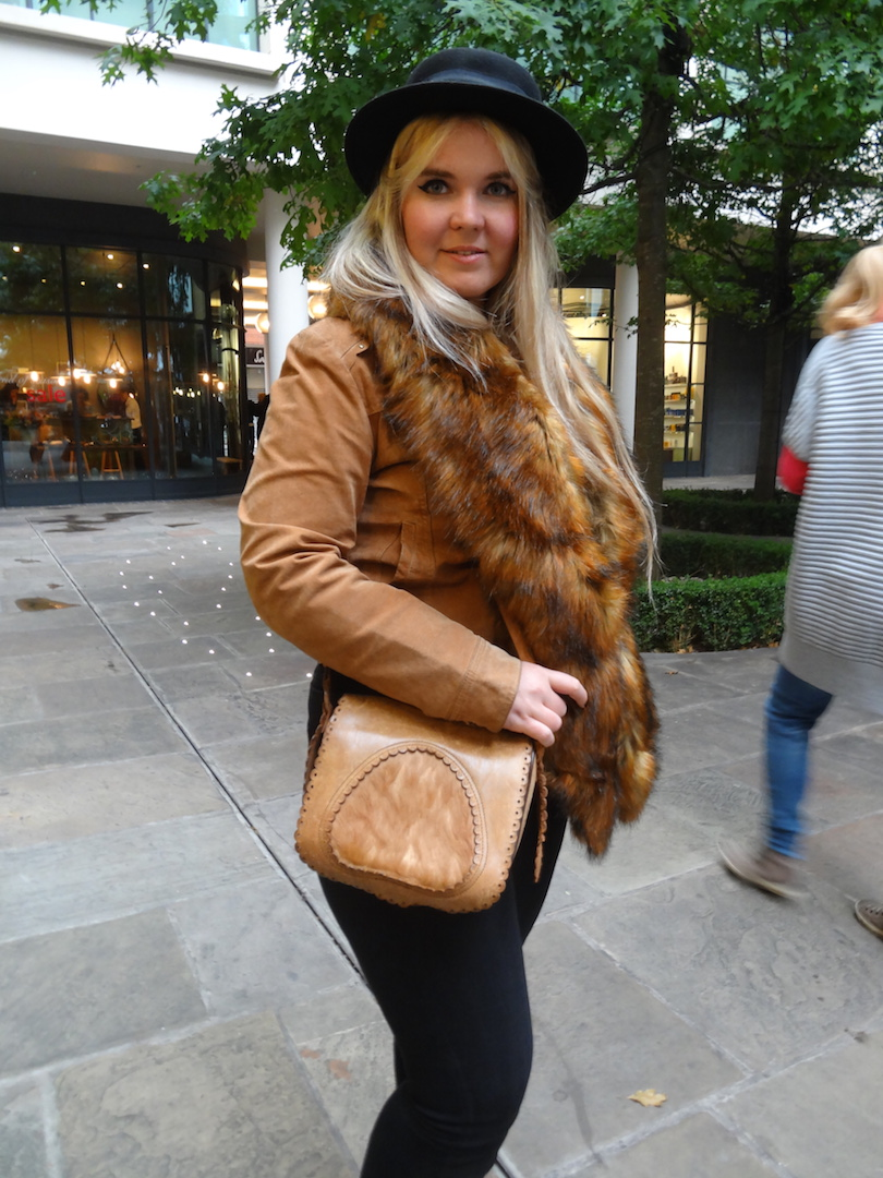 My autumn outfit! Tan brown leather jacket and coat, hat and a fur stole
