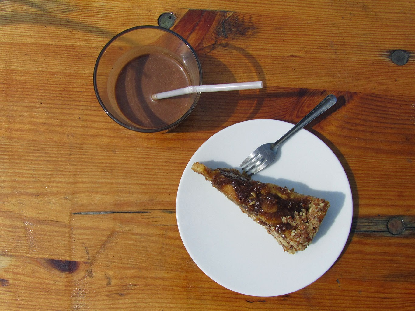 raw food chocolate smoothie and apple pie