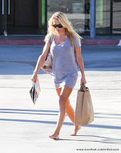 Barefoot Celebrities Shailene Woodley Red