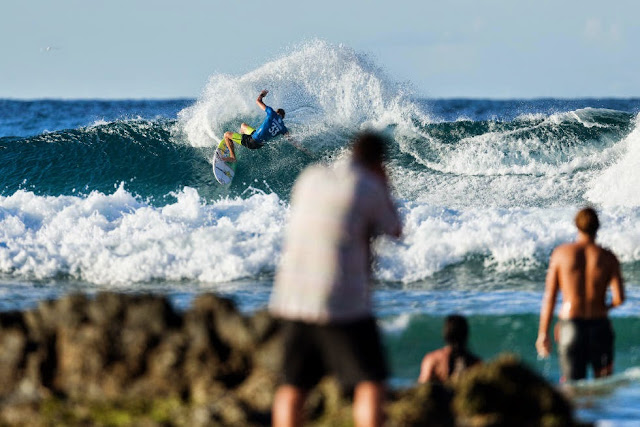 41 Quiksilver Pro Gold Coast 2015 Bede Durbidge Foto WSL Kelly Cestari