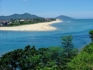 Top 5 -  the most fascinating beaches in Central Coast of Vietnam