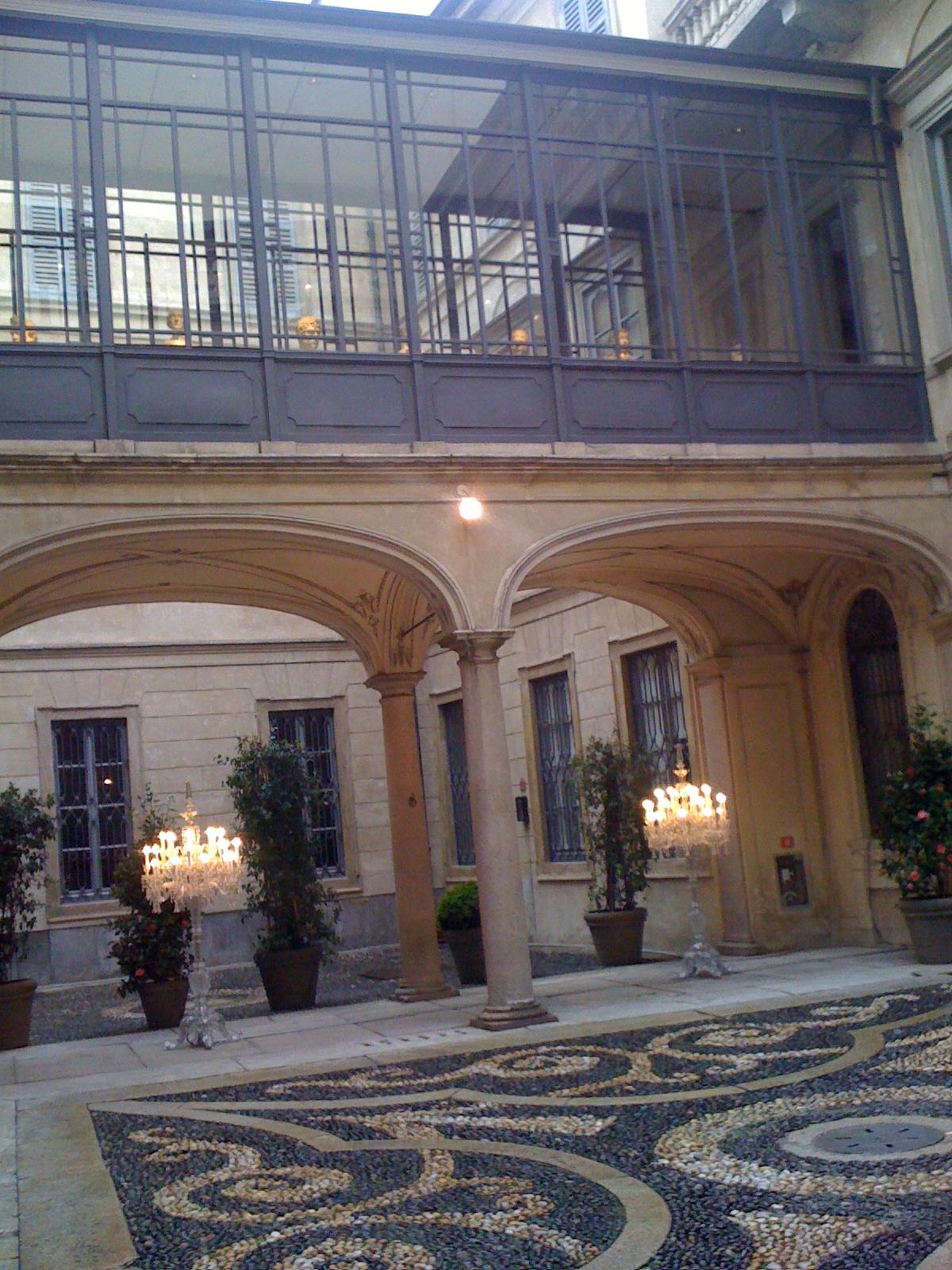 Milanesegal palazzo morando baccar for Palazzo morando
