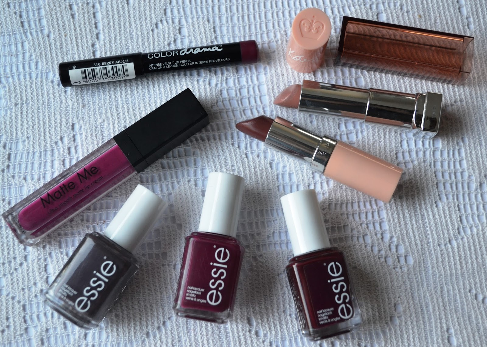Nail and Lip Colours for Fall