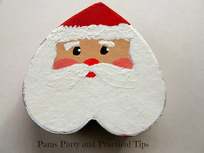 http://www.pamspartyandpracticaltips.com/2013/12/painted-santa-gift-box.html