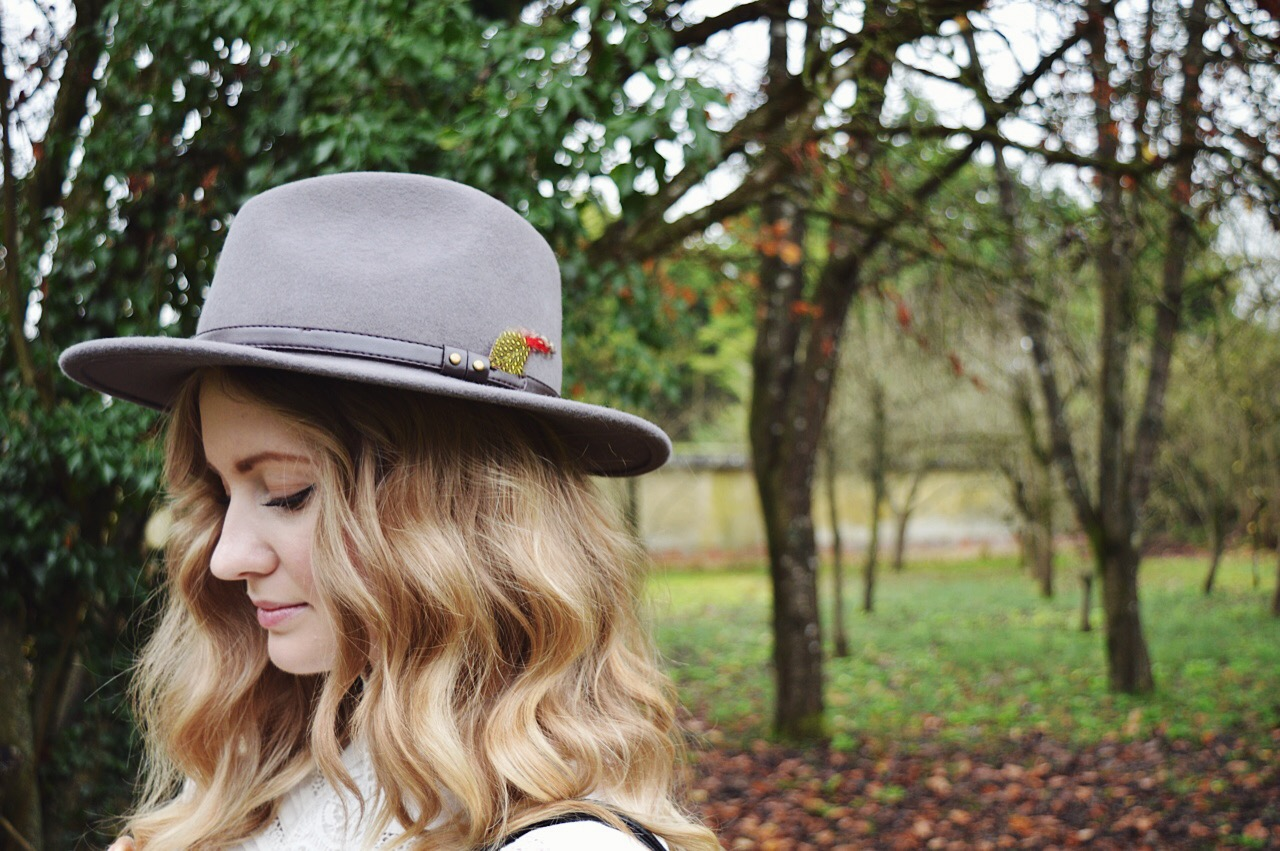 How to wear Victoriana style every day, fashion bloggers, FashionFake