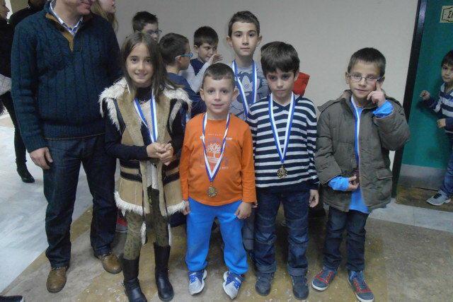 Τρία μετάλλια κατέκτησαν οι μικροί σκακιστές του Εθνικού Αλεξανδρούπολης