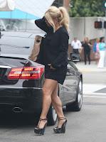 Jessica Simpson calves