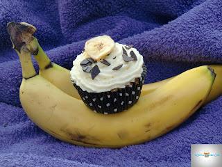 http://cecilecupcakecafe.blogspot.de/2013/09/banana-split-cupcakes.html
