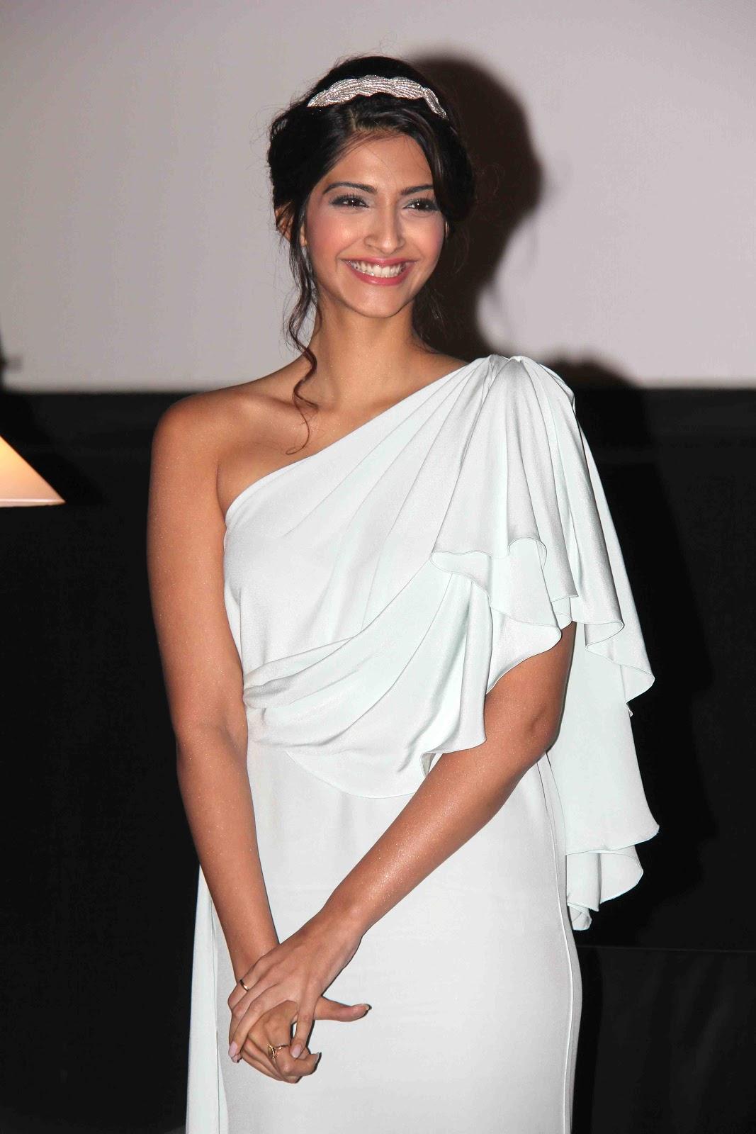 Sonam Kapoor | Celebrities Photos Hub