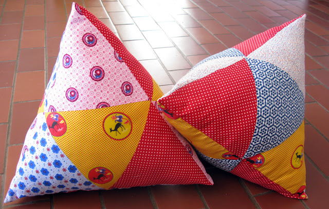 Tetrahedron pillows