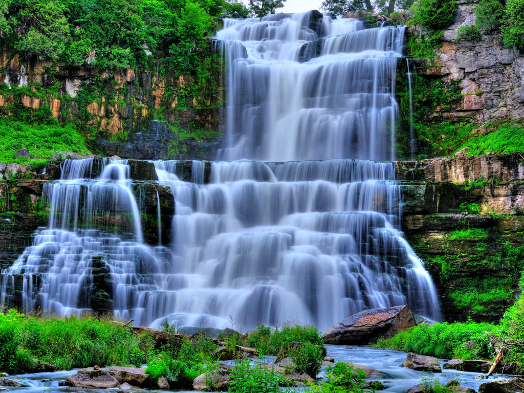 http://4.bp.blogspot.com/-dzE7UKXYdi8/T_MJeDD17-I/AAAAAAAAEF0/18MWhjEJ85o/s1600/beautiful-waterfalls-wallpapers.jpg