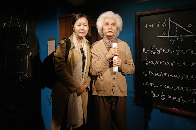 Inside Inventors' classroom with our lecturers, Albert Einstein and Steve Jobs. | www.meheartseoul.blogspot.sg