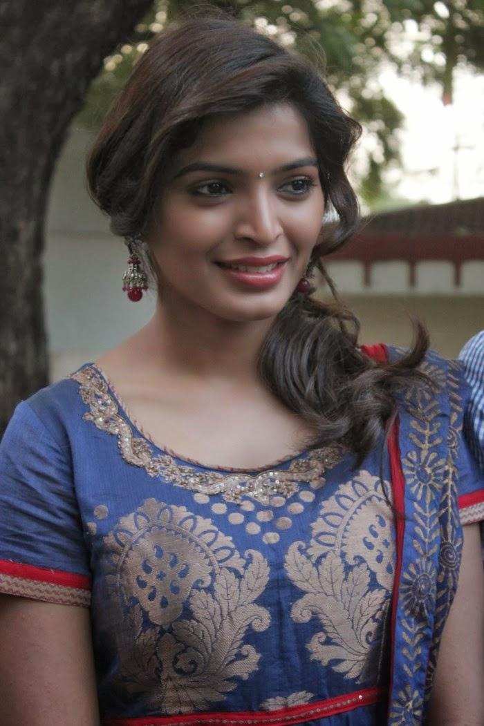 Sanchita shetty photos in salwar kameez at pizza 2 the villa special show