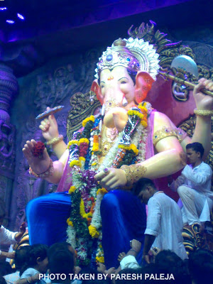 Lalbaug cha Raja Ganpati Bappa in Blue Dhoti 2011