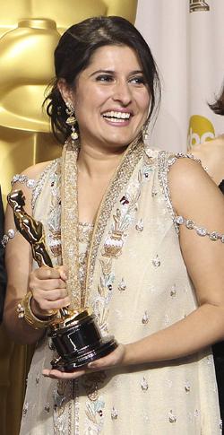 First pakistani woman awarded with oscar award