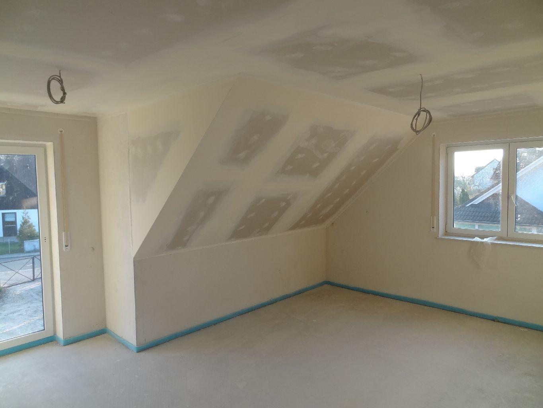 unser Haus entsteht: Verspachteln OG, Fliesen Technikraum ...