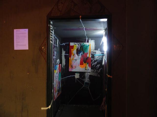 Book- Graffiti-Künstlerin in der Galerie KLOT
