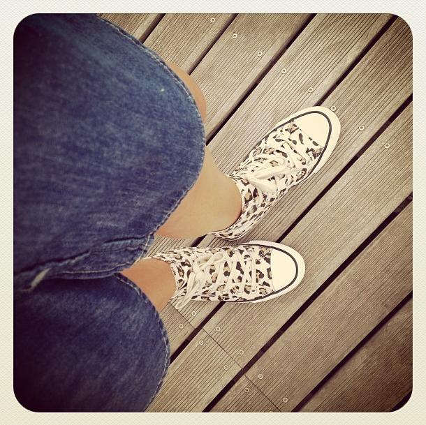 converse leopard & robe en jean H&M
