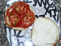 Hamburguesa Juicy Lucy-con tomate