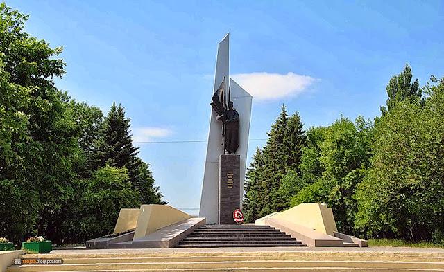Памятники тверь цены в щелково установка памятника из гранита цена