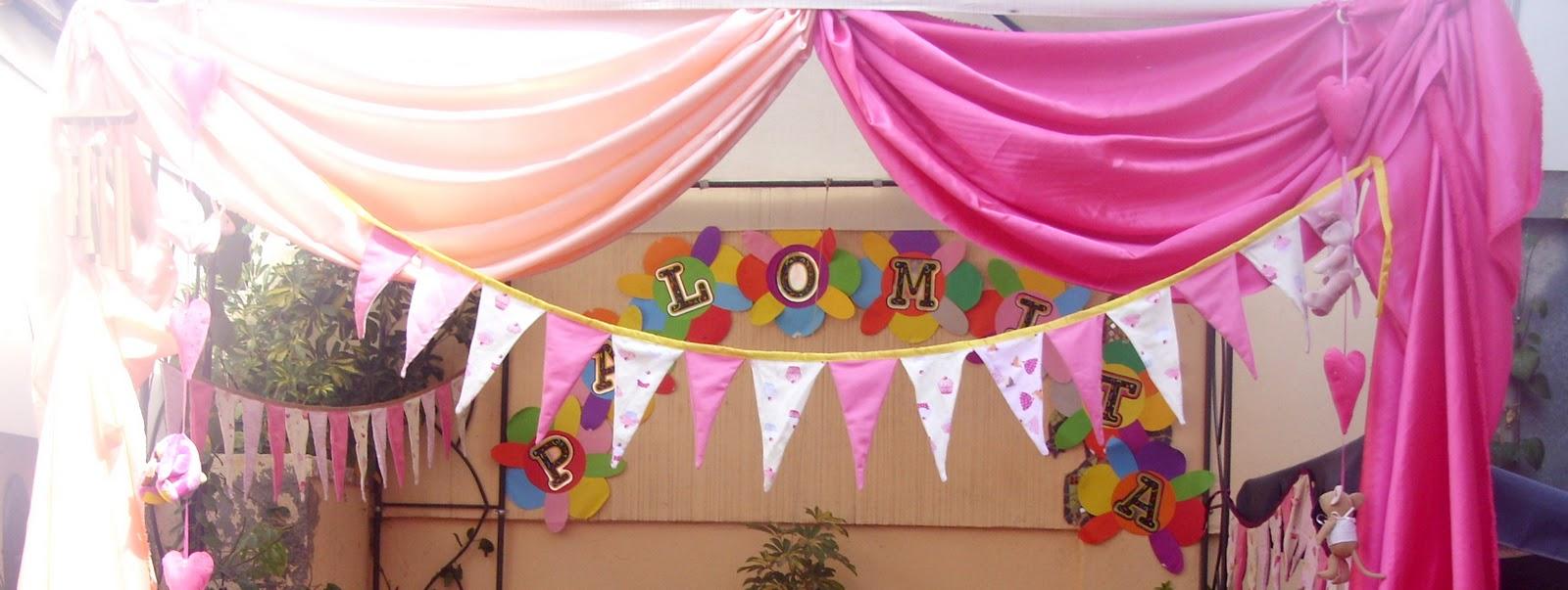 stand decorado con telas