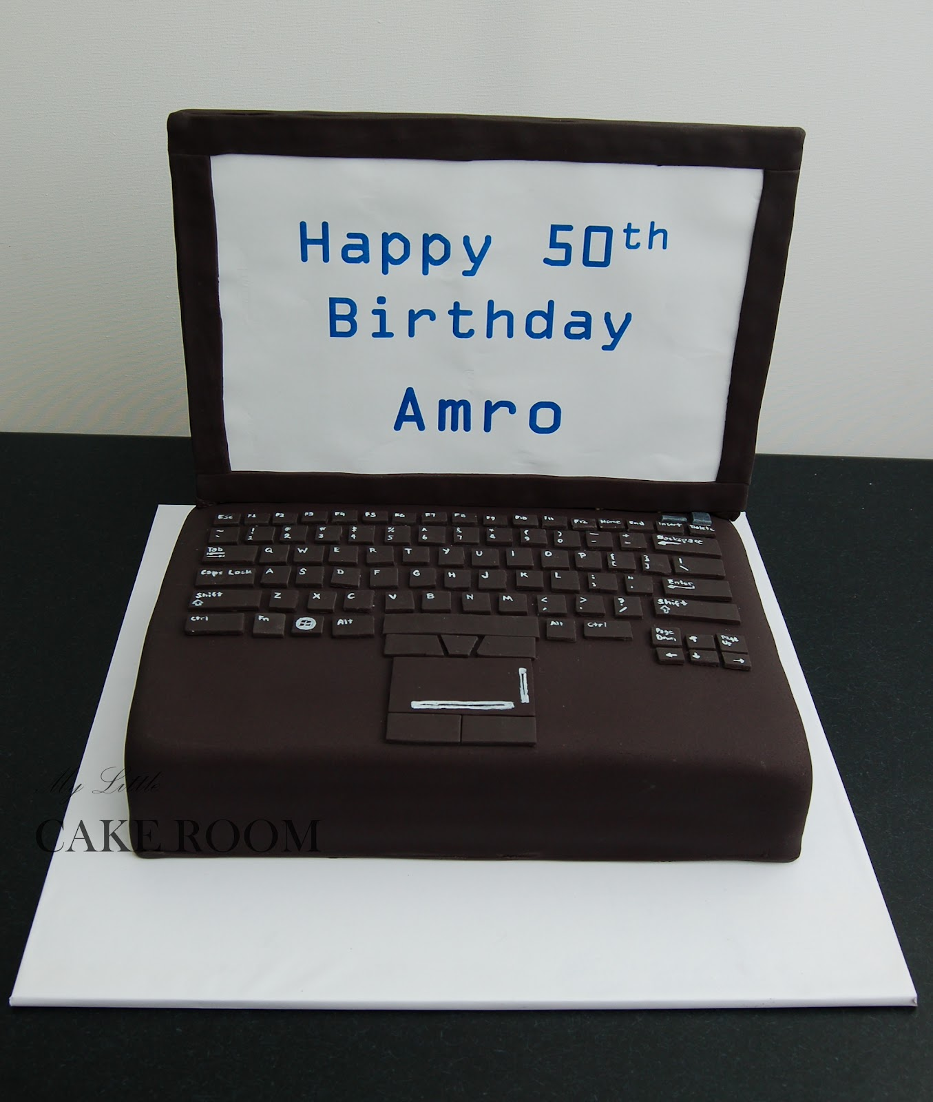 My Little Cake Room: Laptop cake