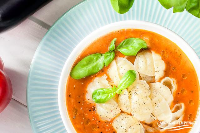zupa krem z papryki, zupa krem z bakłażana, włoska zupa, zupa z bakłażana, zupa z bakłażanów, zupa z papryki, bakłażan, papryka czerwona, danie z bakłażana, danie z papryki, kamis, kraina miodem płynąca