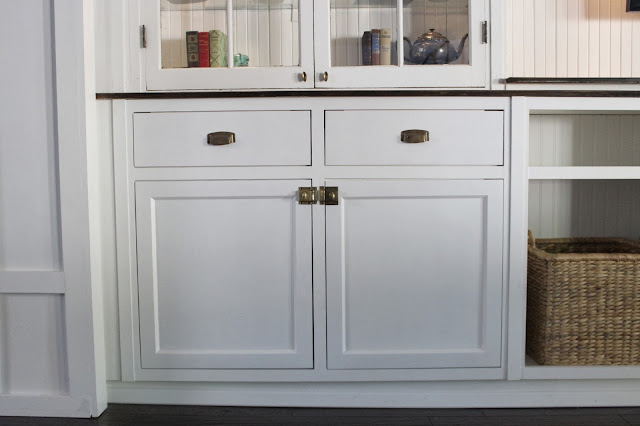 DIY Built-Ins Series How to Install Inset Cabinet Doors with European Hinges - Dream Book Design : cabnit doors - pezcame.com