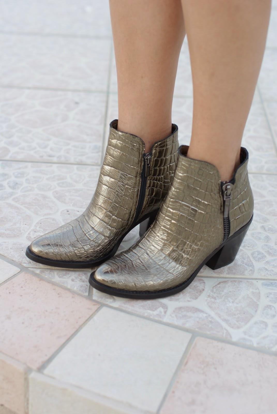 faux crocodile golden boots, Le Silla boots, Fashion and Cookies, fashion blogger