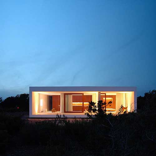 Simple modern homes modern home designs for Simple minimalist house