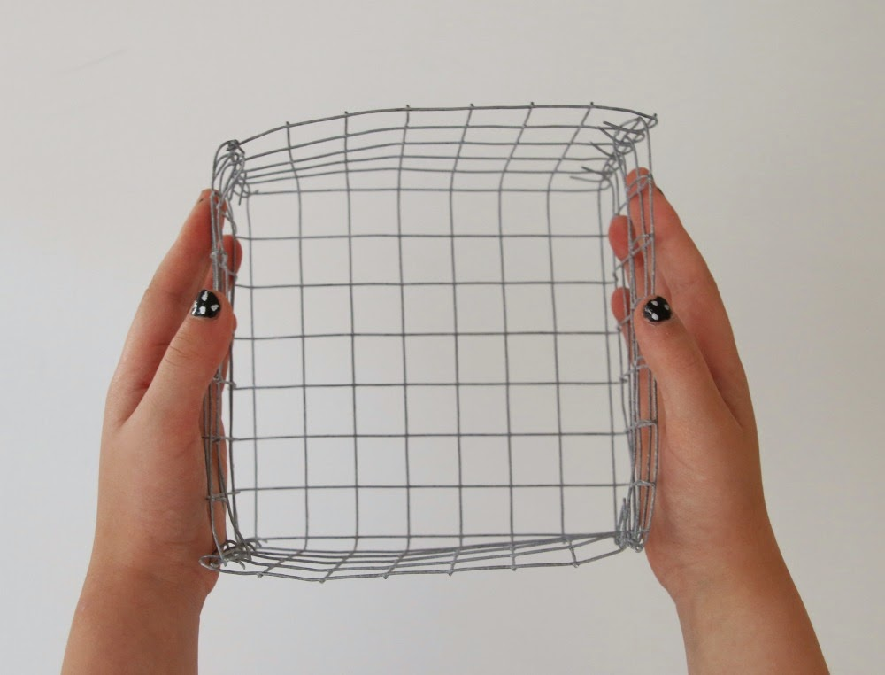 Paper Moon: DIY - Small wire basket