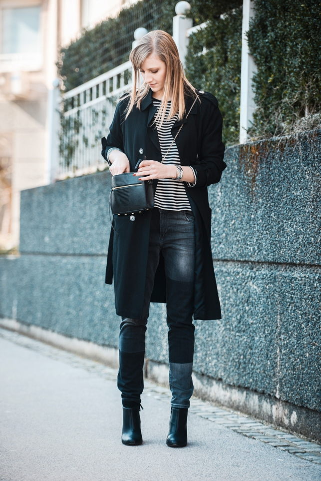 striped shirt, topshop extra long black trench coat, hm zipper bag, zara patched baggy pants, black boyfriend jeans, style blogger, fashion blog blogger