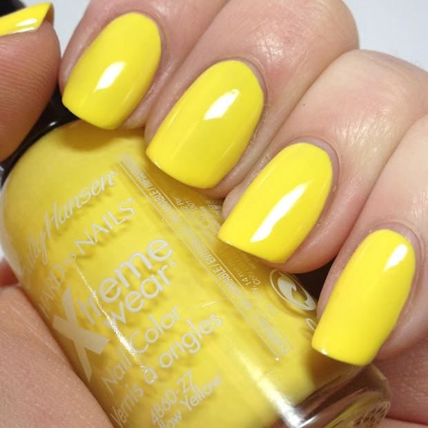 nail art yellow paint