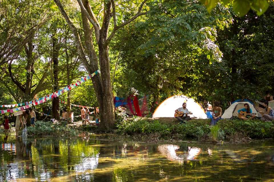 projet collectif Camping-at-palenque-gathering