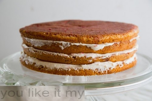 http://youlikeitmy.blogspot.com/2014/10/easy-christmas-cake-recipe.html