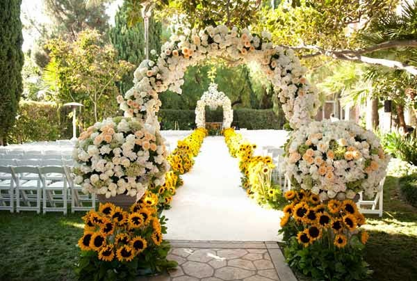 Outdoor Spring Wedding Decoration Flower Ideas
