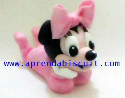 Minnie Bebê em massa de biscuit (porcelana fria)