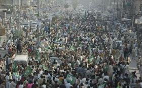 Imran Khan, PTI, Pakistan Tehreek-E-Insaaf, Azadi March, Dharna, D Chowk, Tahir ul Qadri, Girls, Images, Fake, Pool, Naya Pakistan, Sheikh Rasheed, PML, Nawaz Sharif, PAT, Pakistan Awami Tehreek, Islamabad