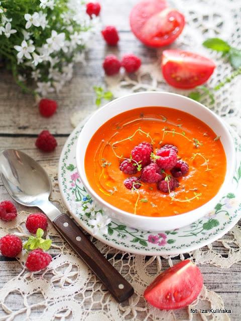 chłodnik z pomidorów i malin , pomidory malinowe , maliny , dania na lato , chołodziec , zupa na zimno