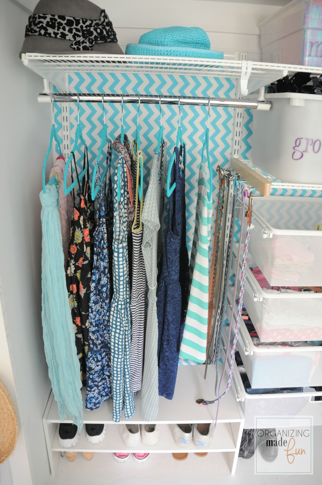 Perfect Turquoise Girls Teen Tween Closet Organized :: OrganizingMadeFun.com