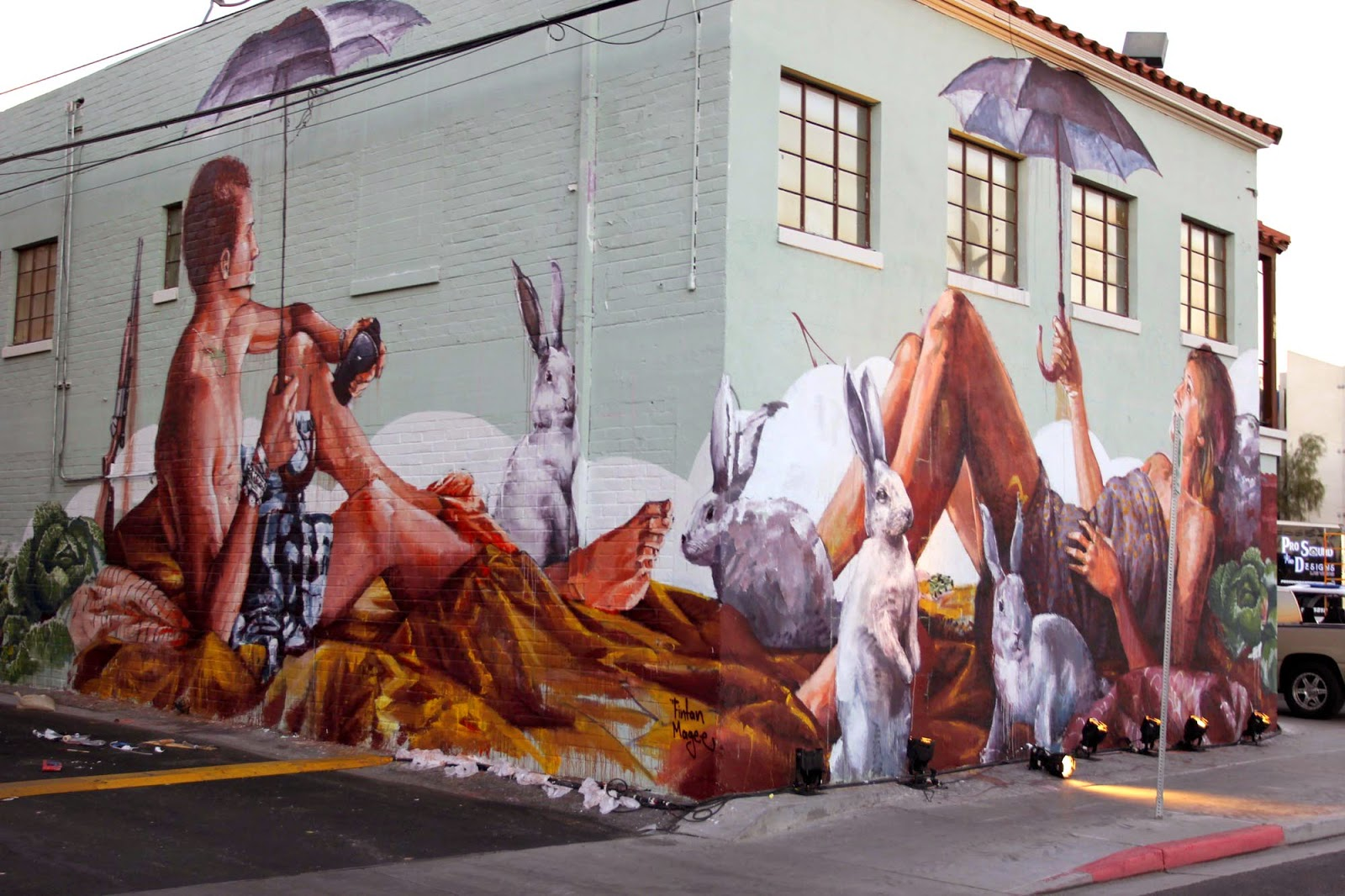 Australian superstar Fintan Magee spent the last two weeks on the sunny streets of Las Vegas where he was invited by JustKids to paint for the Life Is Beautiful Festival.