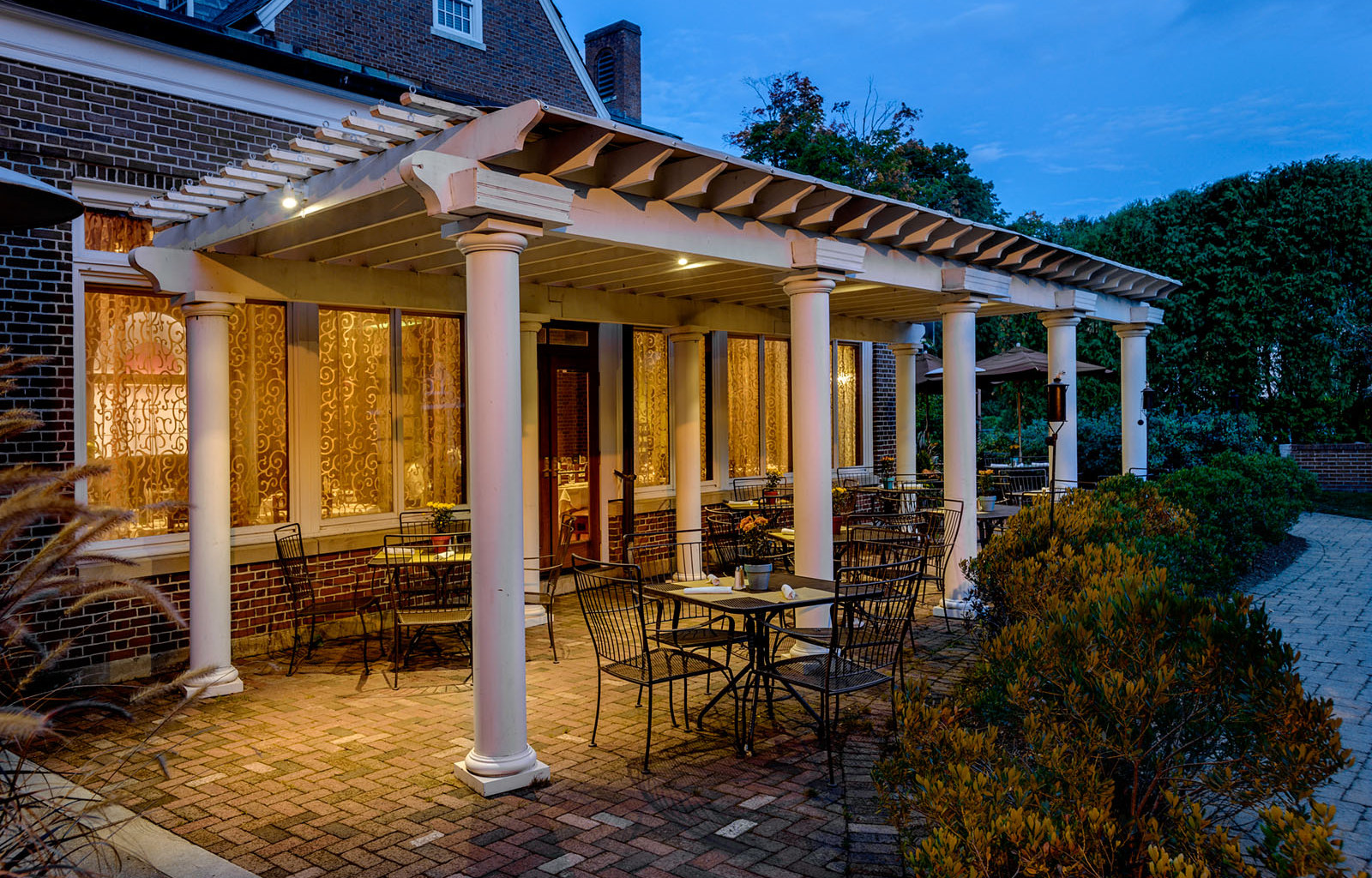 2015, July 16, THURSDAY, 5pm-8pm Summer Lawn Party at Exeter Inn