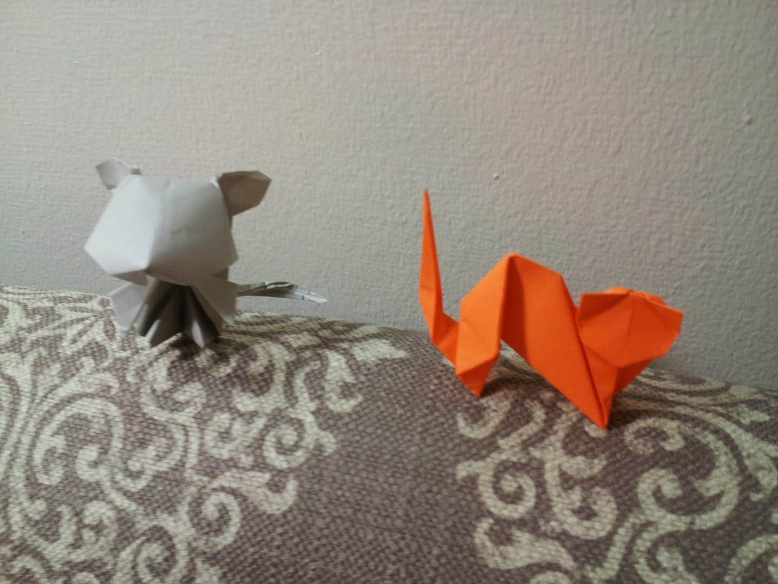 Paper moon the chinese zodiac an origami story the rat and the cat were very excited they decided they would go early to secure their places the cat made the rat promise to wake him in time for the jeuxipadfo Images