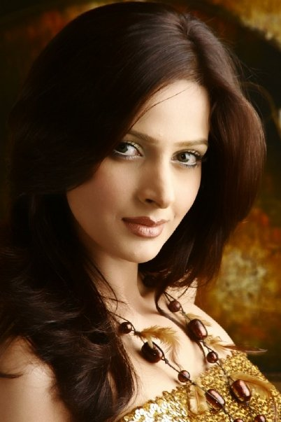 World Fashion Pakistani Female Models
