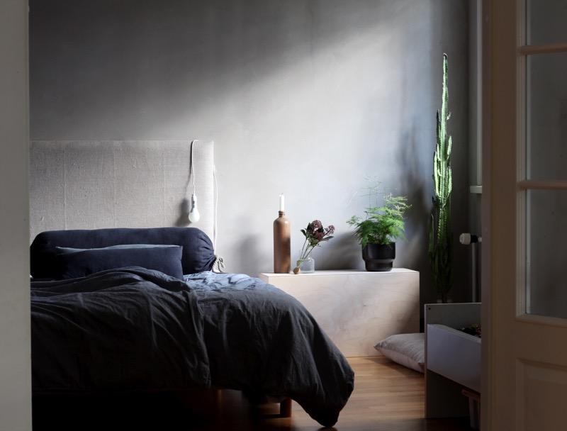 pehmeä sävyinen makuuhuone