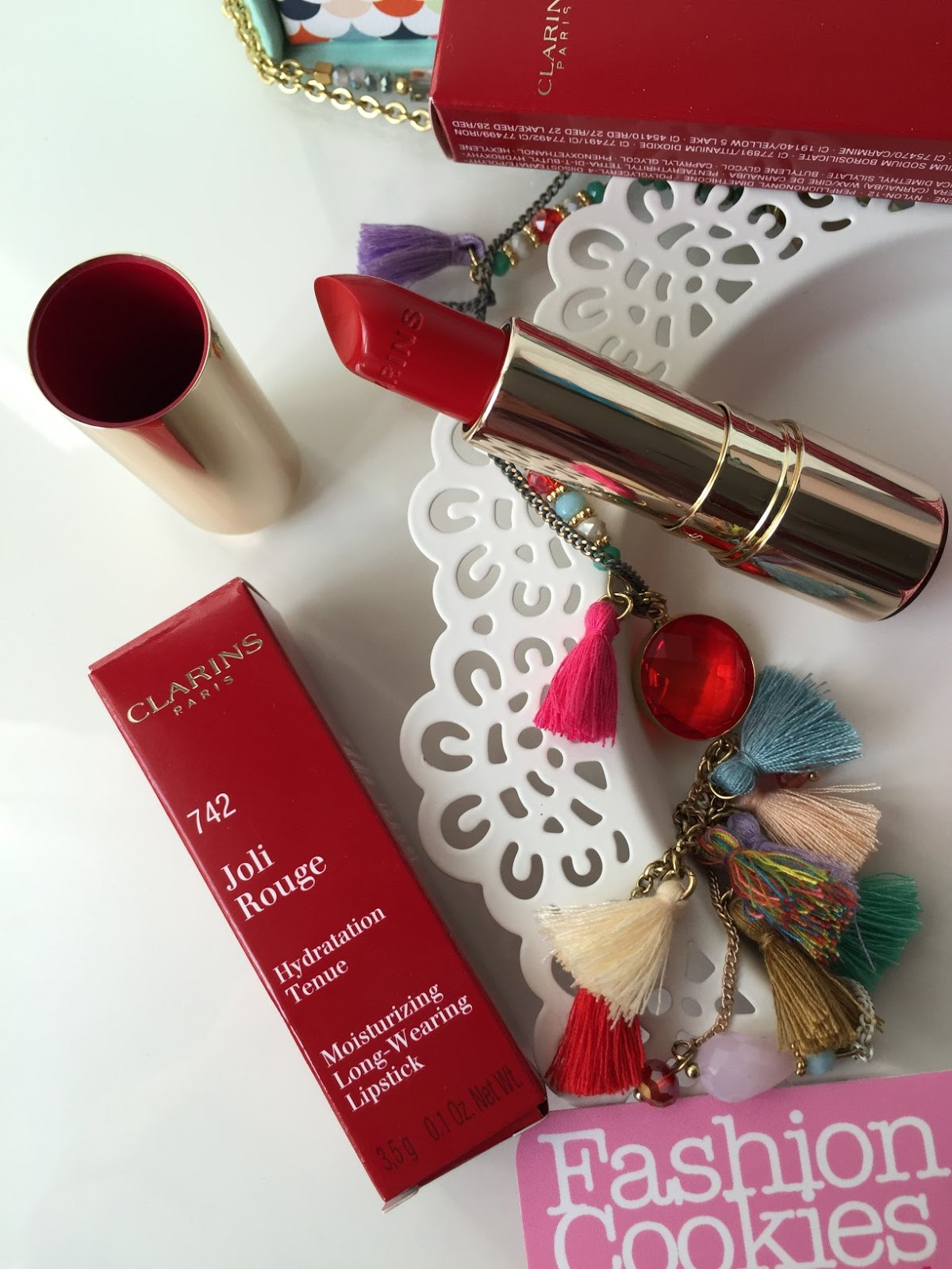 Clarins Joli Rouge lipstick joli rouge red 742 review on Fashion and Cookies beauty blog, beauty blogger from Italy