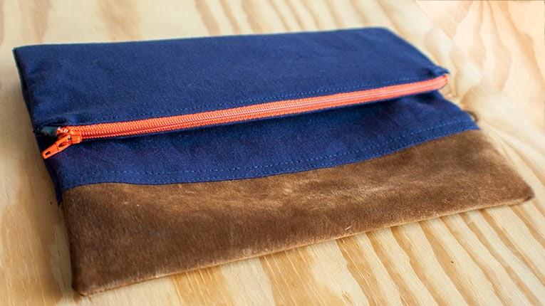 Fold Over Clutch | www.isntthatsew.com